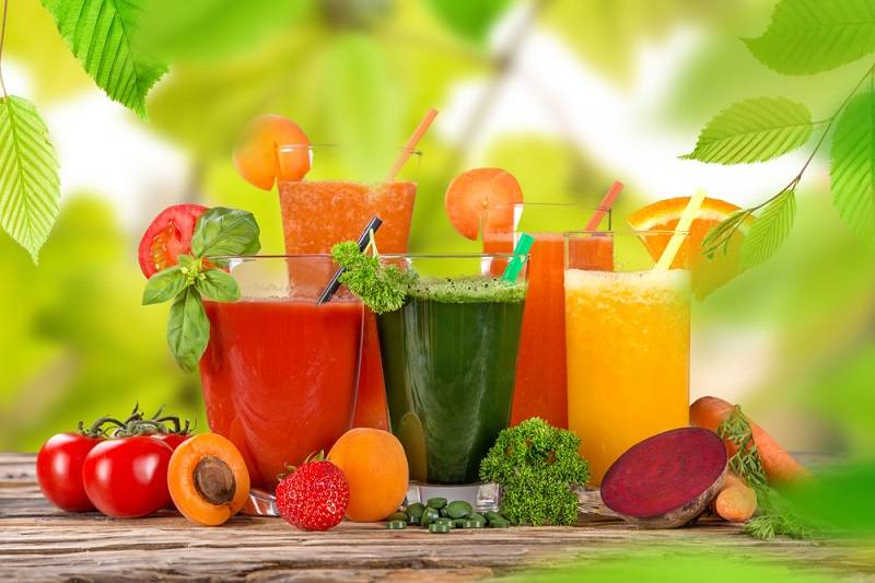 Как пить свежевыжатые соки с пользой для здоровья и красоты: советы диетолога