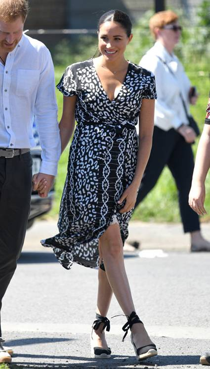Трендовое платье с запахом - идеальная классика. На красной дорожке и в повседневной жизни