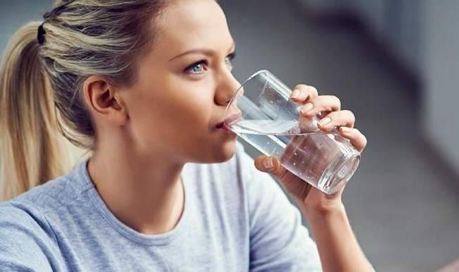 Как понять, что вам не хватает жидкости: ТОП-15 признаков недостатка воды в организме