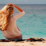 Уход за волосами на море: важные и полезные правила