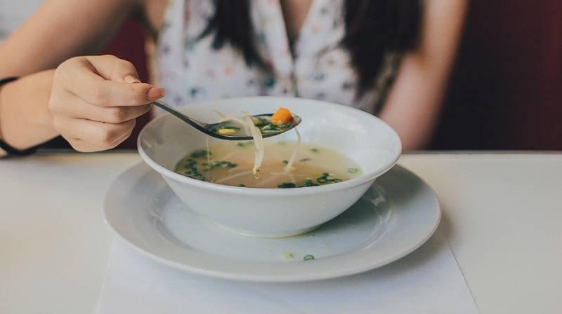 Реальная польза супа: диетолог развеяла главные мифы о первых блюдах