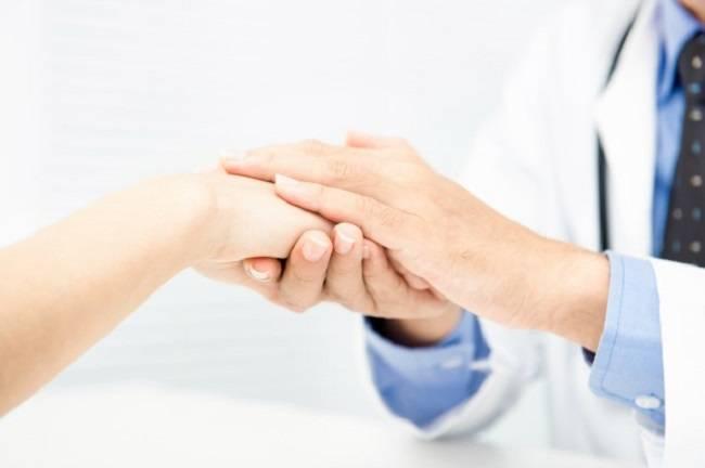 Как помочь человеку выздороветь используя слова: советы психолога