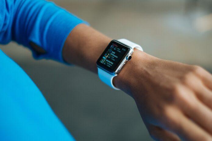 Эксперт рассказал, какие угрозы исходят от смарт-часов и фитнес-трекеров