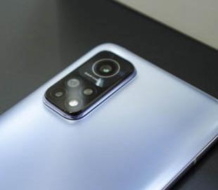 Бюджетный флагман Redmi оказался лучше iPhone 11