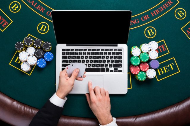 Покер онлайн: Начало