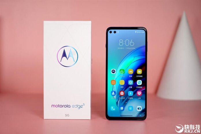 Представлен Motorola Edge s: доступный конкурент Xiaomi Mi 11 со Snapdragon 870