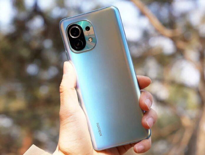 Бюджетный флагман Xiaomi Mi 11 доставил пользователям большое количество проблем