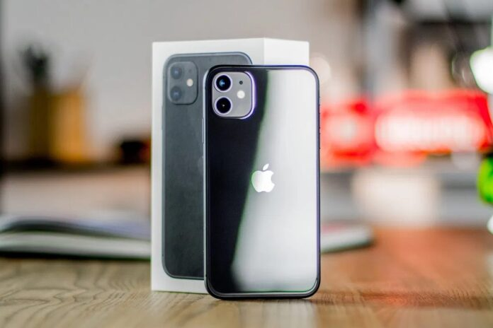 Самый доступный в это году iPhone SE Plus будет похож на iPhone 11