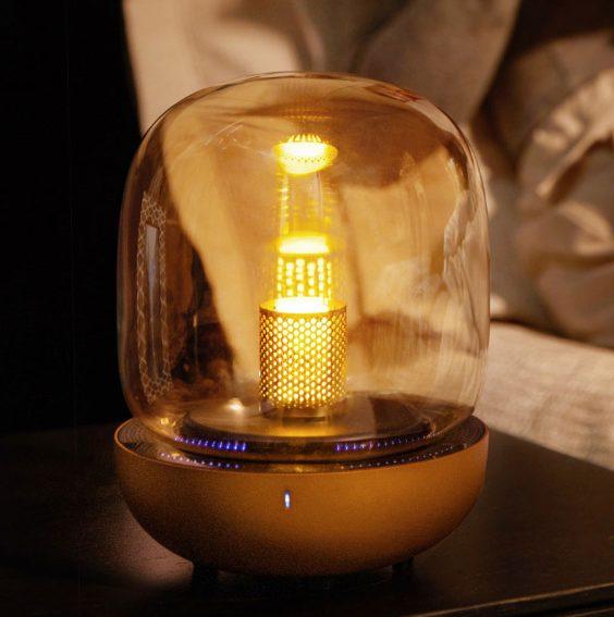 Xiaomi доступную настольную лампу, которая поможет уснуть и может воспроизводить музыку