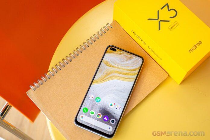 Realme X3 SuperZoom упал в цене – Snapdragon 855+, 64-Мп камера, 120-Гц дисплей и NFC со скидкой