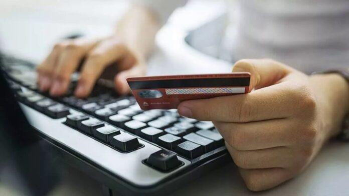 Новая схема обмана позволяет мошенникам красть деньги с банковских карт украинцев
