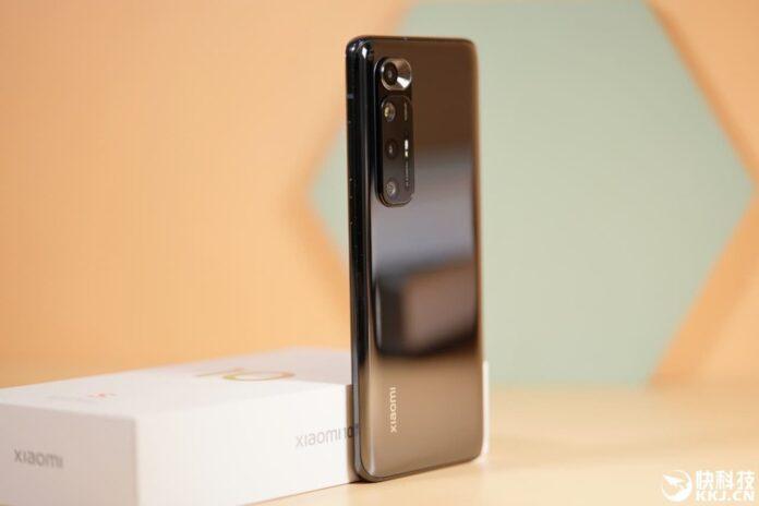 Появится глобальная версия Xiaomi Mi 10S со стереодинамики Harman Kardon