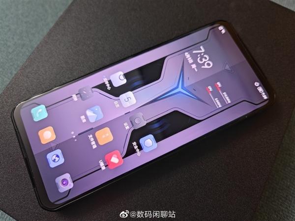 Игровой смартфон Lenovo Legion 2 Pro многих удивит дизайном