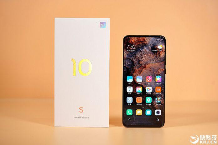 Флагман Xiaomi со стереодинамиками Harman Kardon стал более доступным