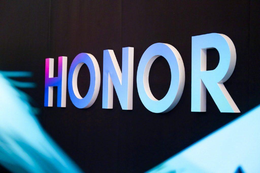 Honor впервые показала серьезного конкурента Poco F3