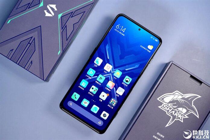 Игровой смартфон Xiaomi снова стал самым производительным