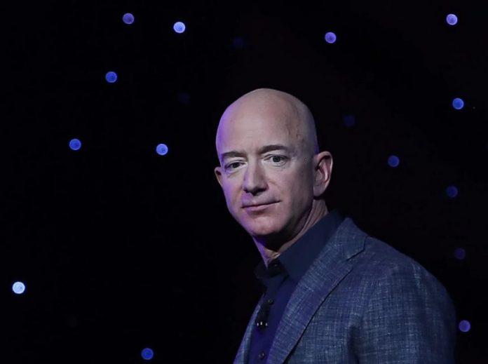 Amazon подумывает о продаже товаров за Bitcoin и эмиссии собственной криптовалюты