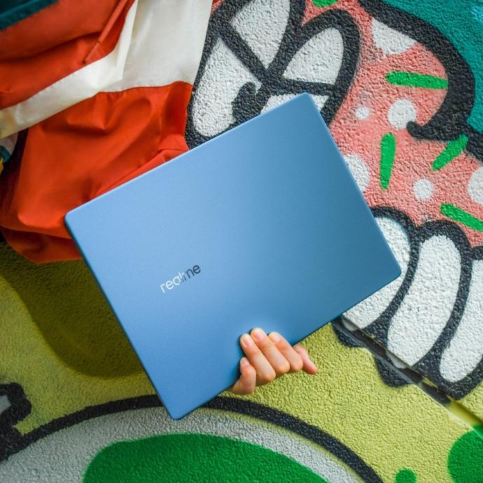 Представлен первый ноутбук realme с быстрой зарядкой 65 Вт и процессорами Intel 11-го поколения