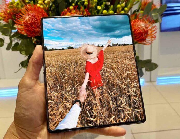В случае перепрошивки смартфона Samsung, он перестает работать корректно