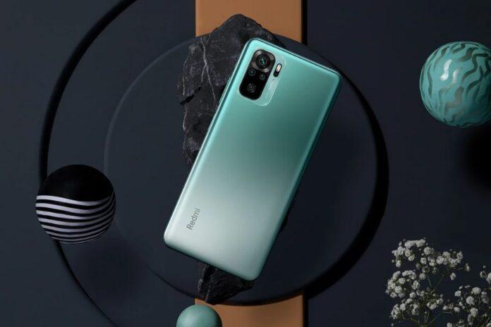 Популярный смартфон Redmi подорожал четвертый раз подряд