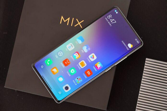 Первые фотографии белой версии Xiaomi Mi MIX 4. Видна ли фронтальная камера