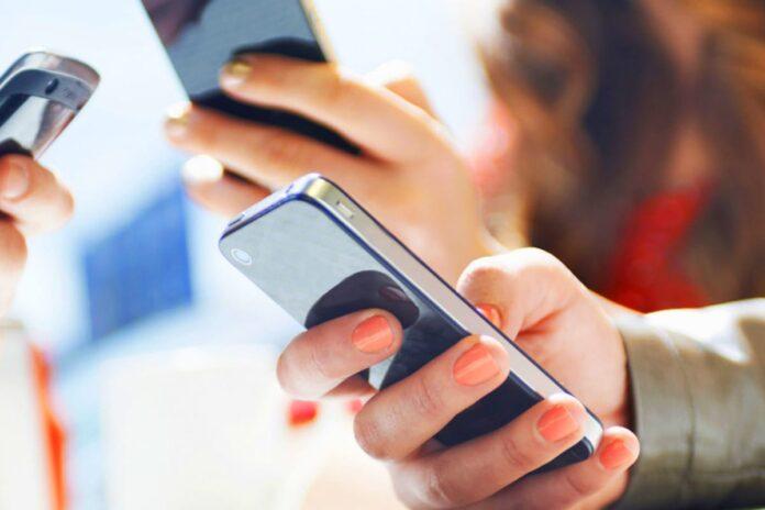Мобильные операторы рассказали об отношении к обязательной регистрации по паспорту