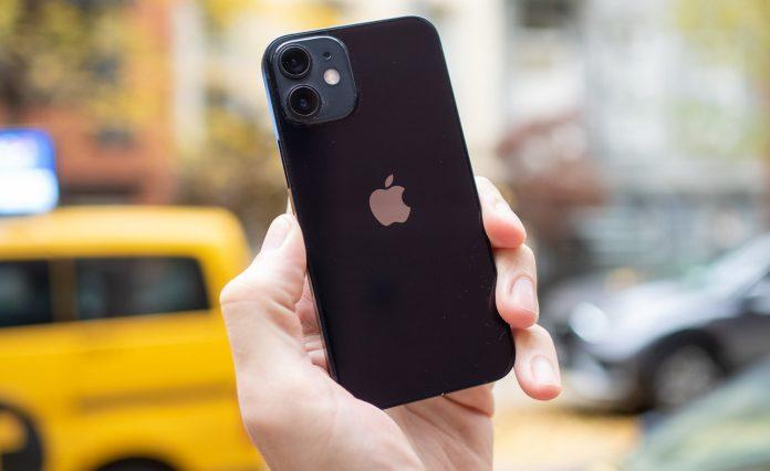 Эксперты определили: как сохраняются iPhone и Android-смартфоны с годами эксплуатации