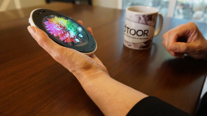 Cyrcle Phone 2.0: круглый смартфон с оригинальным дизайном, который можно получить бесплатно