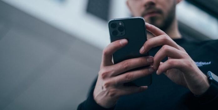 Миллионы смартфонов остались без доступа к интернет-сайтам